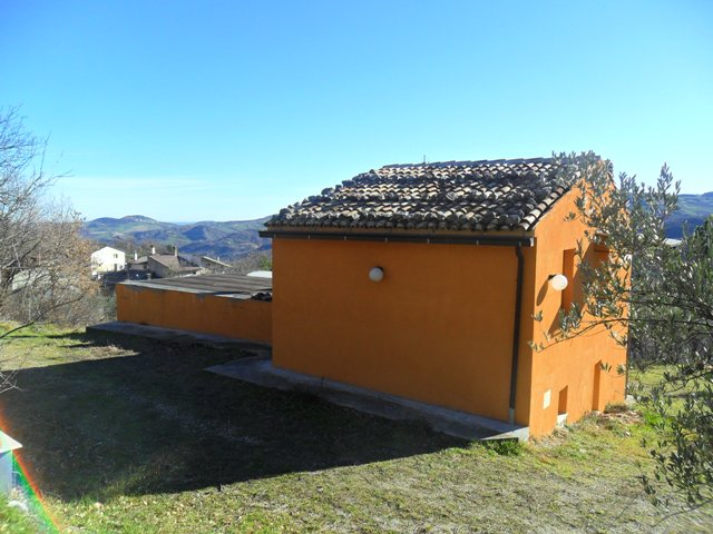 finished, three beds in Lama Dei Peligni countryside